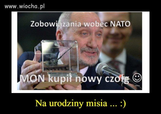 Rozwala-polska-armie-ale-dla-dpolizow-ma-zabawki