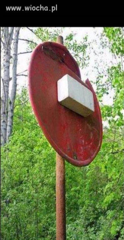 Nowy znak drogowy ...