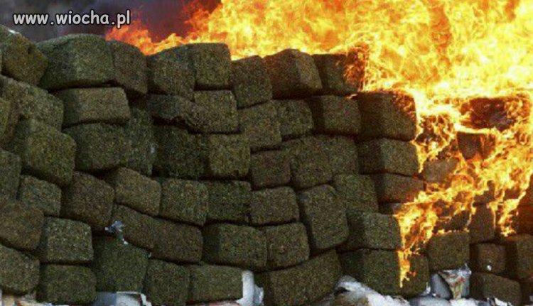 Pozar-skladu-marihuany-w-Kolumbii