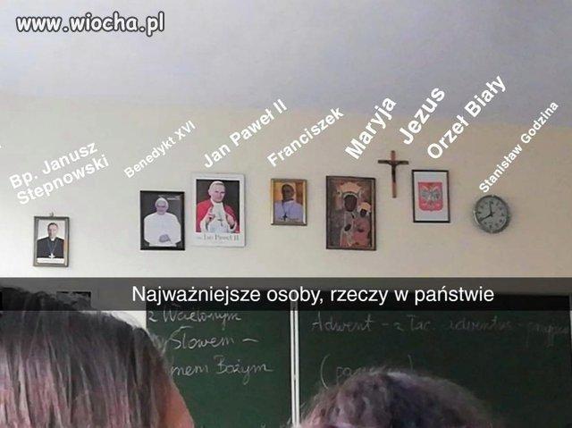 Klasa-w-podobno-swieckiej-szkole