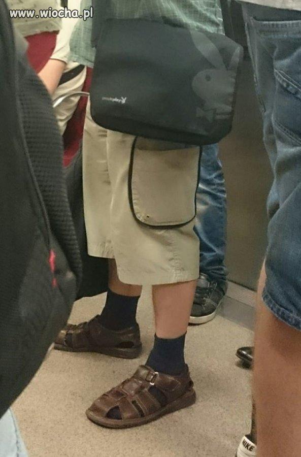 Playboy w metrze