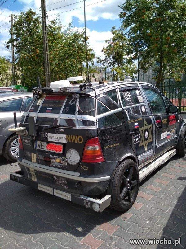 Prawdziwie-amerykanski-samochod-w-Polsce