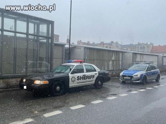 Radiowoz-szeryfa-zatrzymany-przez-policjantow