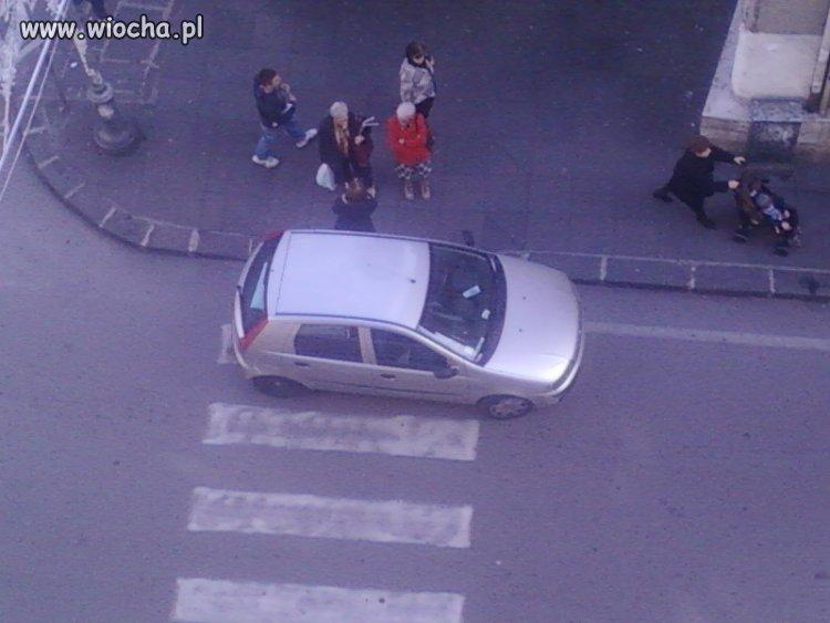 Parkowanie na pasach