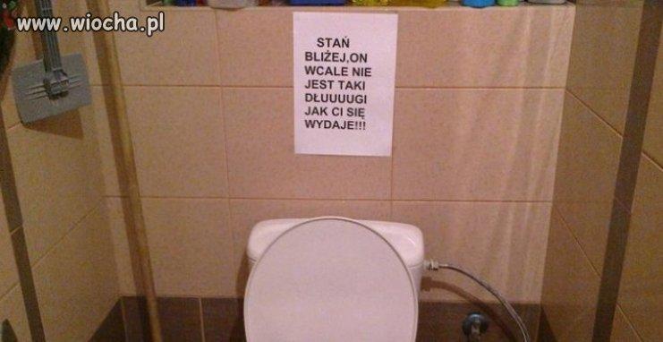 W-toalecie-byla-zalana-podloga