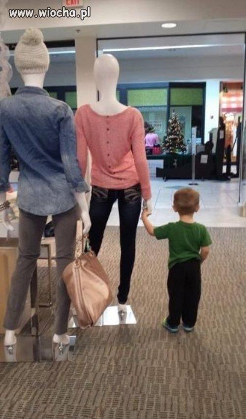 Poczekaj-synku-kolo-tej-pani