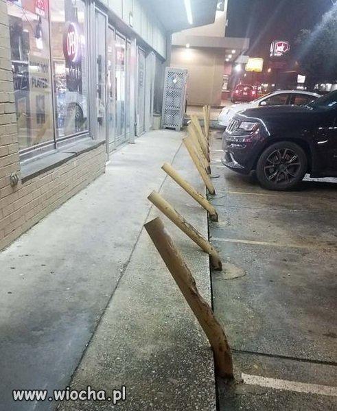 Parking-przed-calodobowym-w-USA