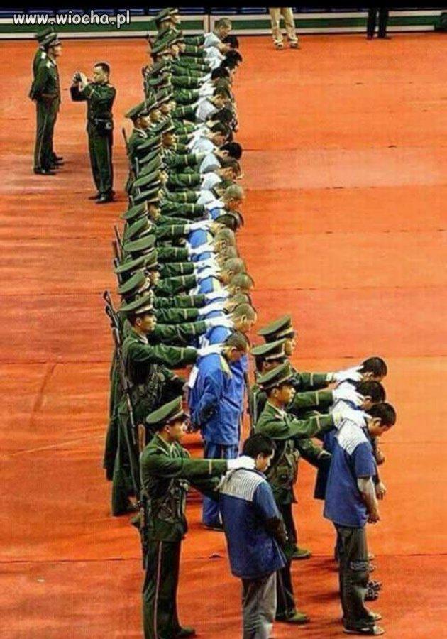 Egzekucja-27-skorumpowanych-politykow-w-Chinach