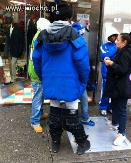 Nowa moda na noszenie spodni