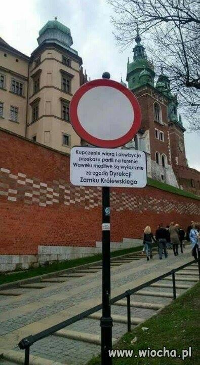 Dlaczego-miesiecznice-odbywaja-sie-w-Warszawie