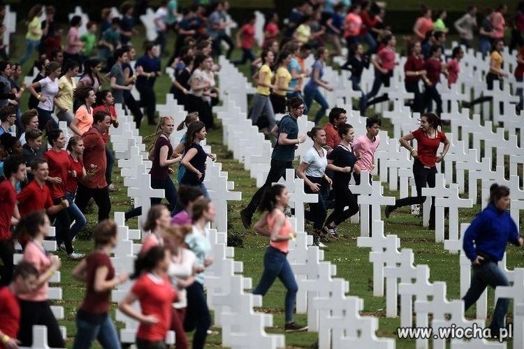 Lewacy uczczili milion ofiar bitwy pod Verdun...