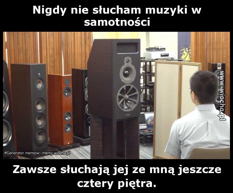 Nigdy-nie-slucham-muzyki-w-samotnosci