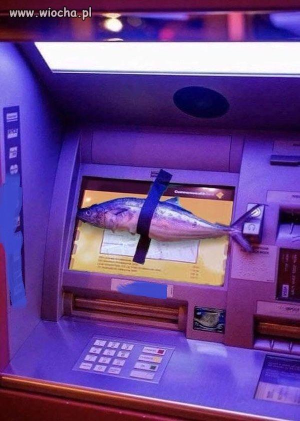Fiszing, czyli atak na bankomat