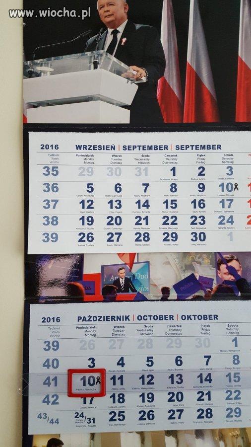 Kalendarz-PISrelli-w-jednym-z-urzedow