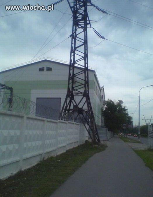Betonowy-plotdrut-kolczasty-i-nikt-nie-wejdzie