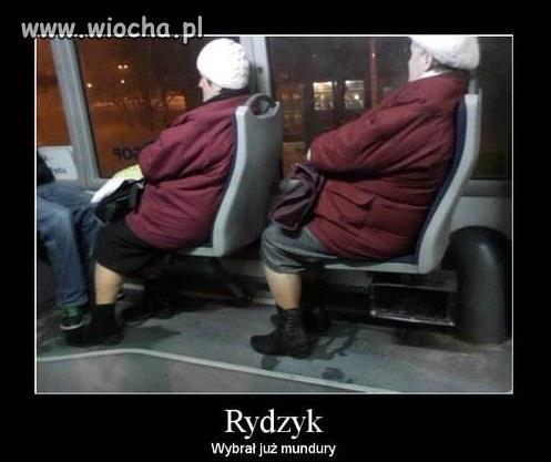 Rydzyk-juz-wybral-mundury