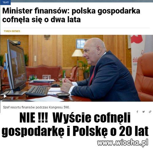 Polska-sie-cofa