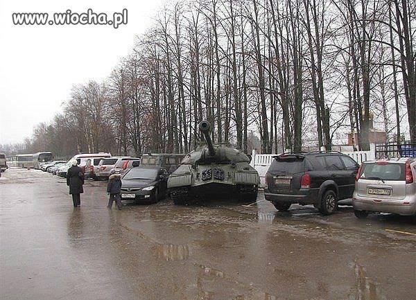Na parkingu.