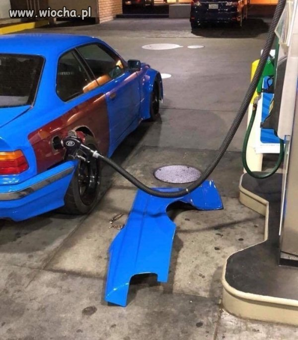 Fajny dekiel wlewu paliwa