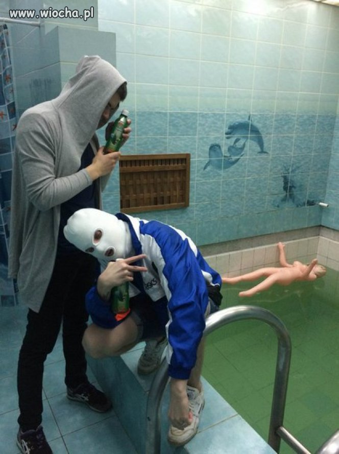 Gimbogangsta na basenie