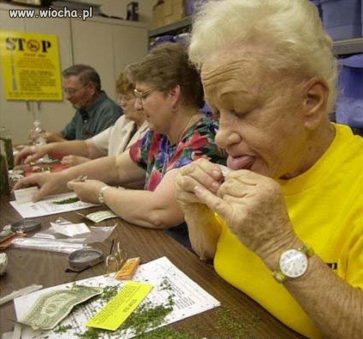 Nowe-etaty-dla-emerytow-i-rencistow
