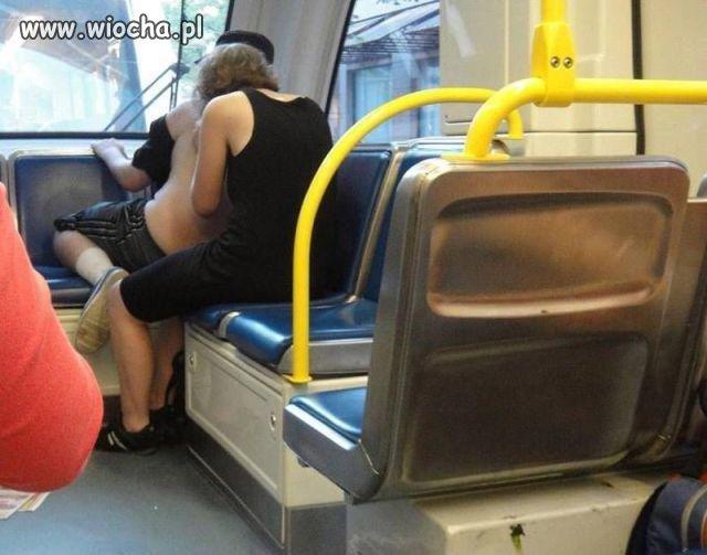 Autobusowe iskanie.