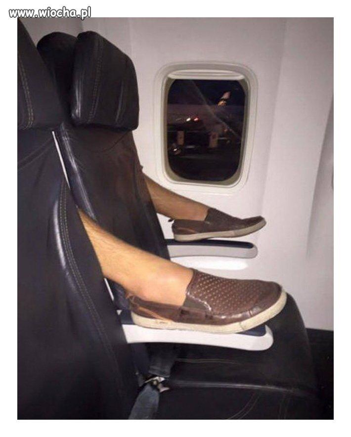 Tymczasem w pewnym samolocie