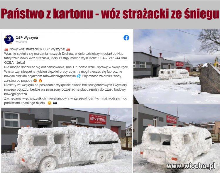 Panstwo-z-kartonu---woz-strazacki-ze-sniegu