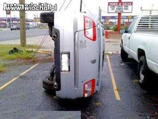 Masz-szerokie-auto-i-waskie-miejsce-parkingowe