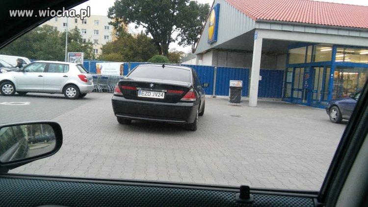 Burak-z-BMW-Lidl-Zdunska-Wola