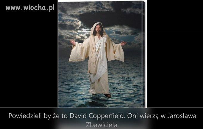 Jezus chodzi po wodzie